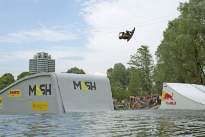 MM17_Wakeboard Rail & Air 1